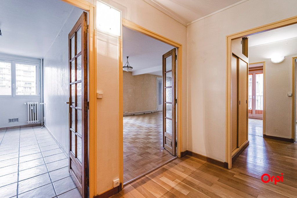 Appartement à vendre 4 84m2 à Reims vignette-4
