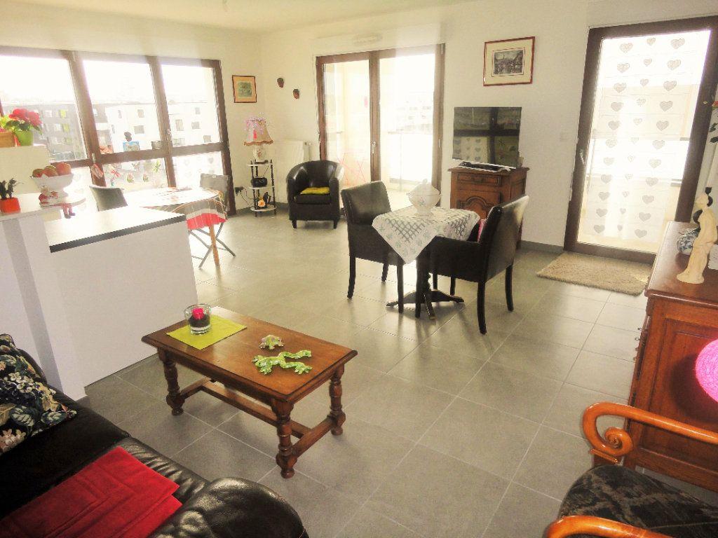Appartement à vendre 4 88.43m2 à Reims vignette-3