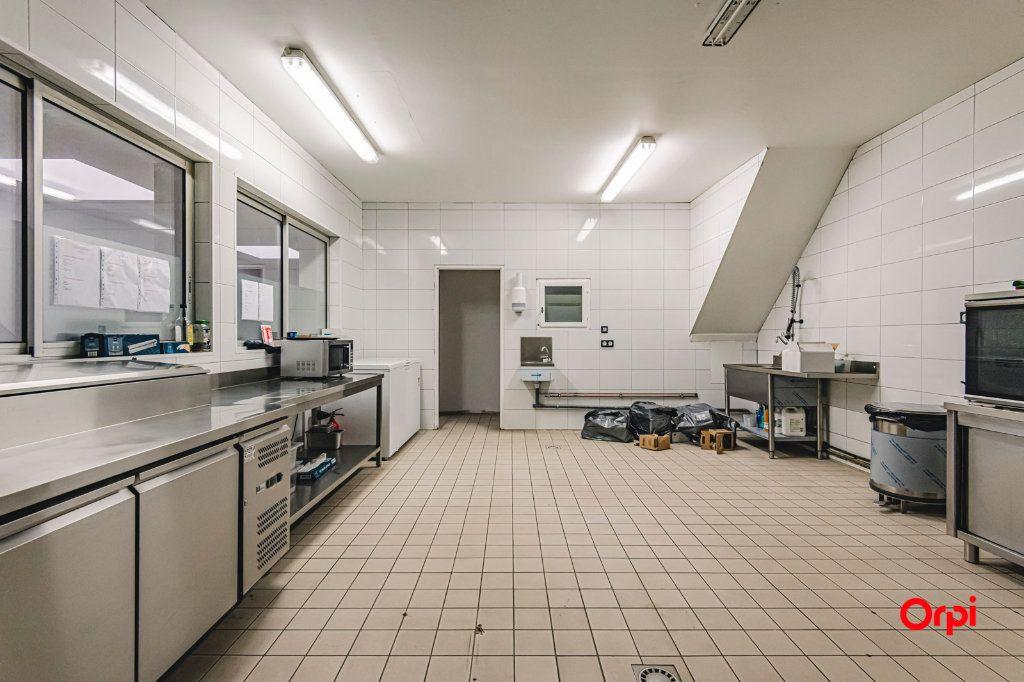 Immeuble à vendre 0 565m2 à Charleville-Mézières vignette-5