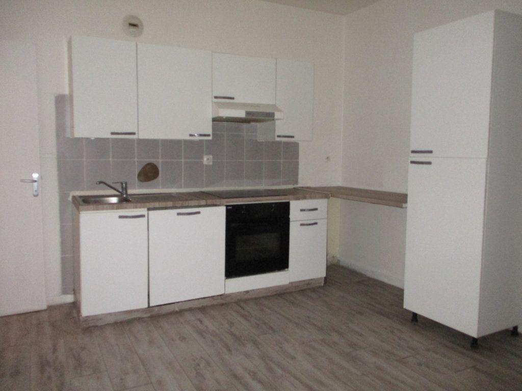 Appartement à vendre 2 39m2 à Reims vignette-1