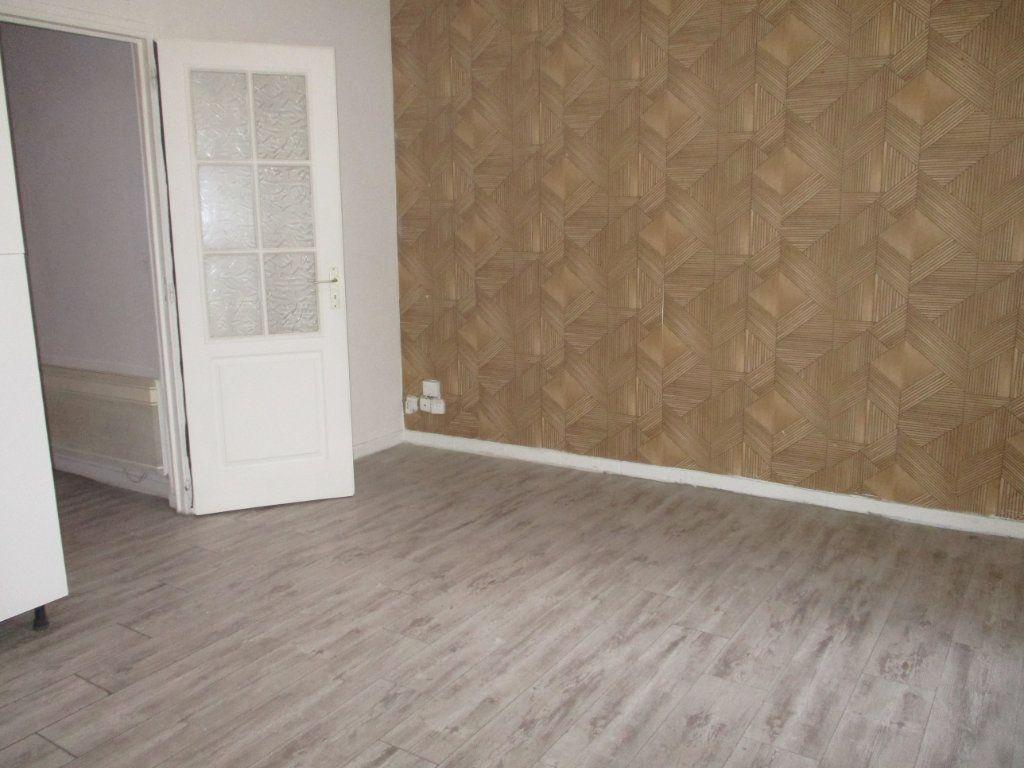 Appartement à vendre 2 39m2 à Reims vignette-2