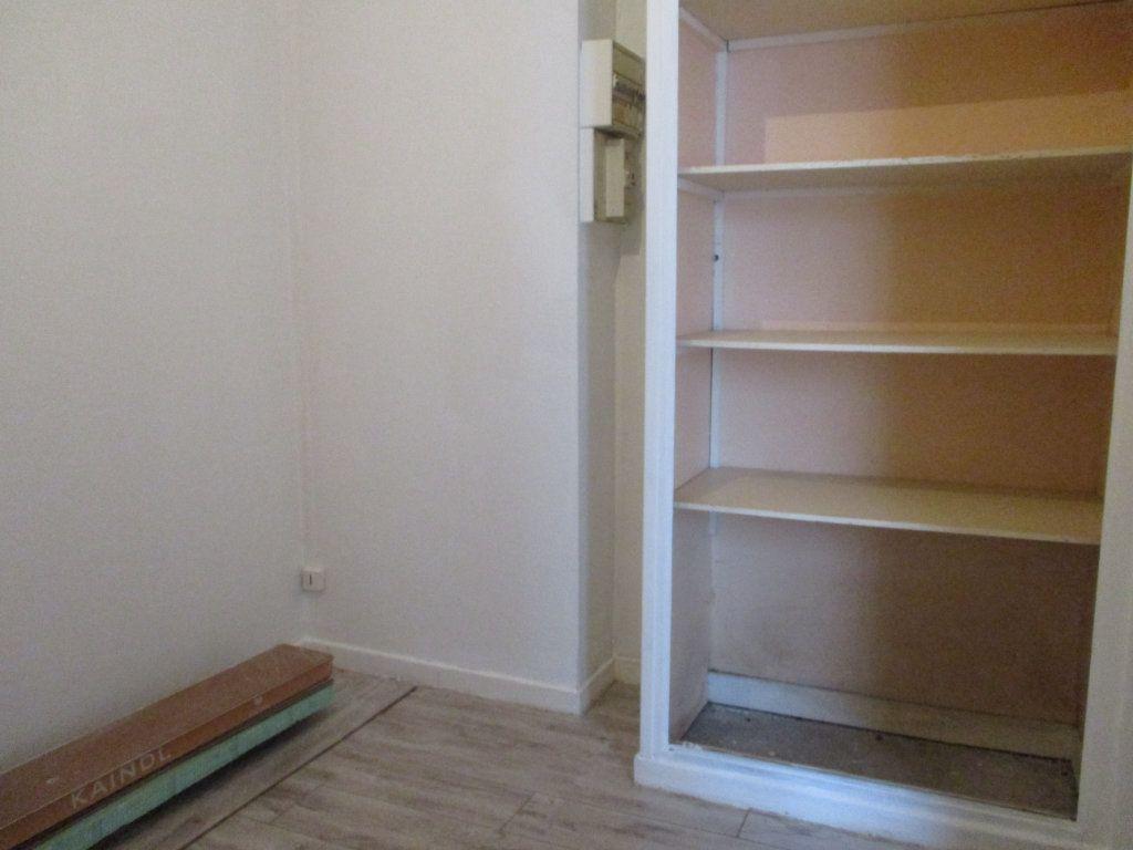Appartement à vendre 2 39m2 à Reims vignette-6