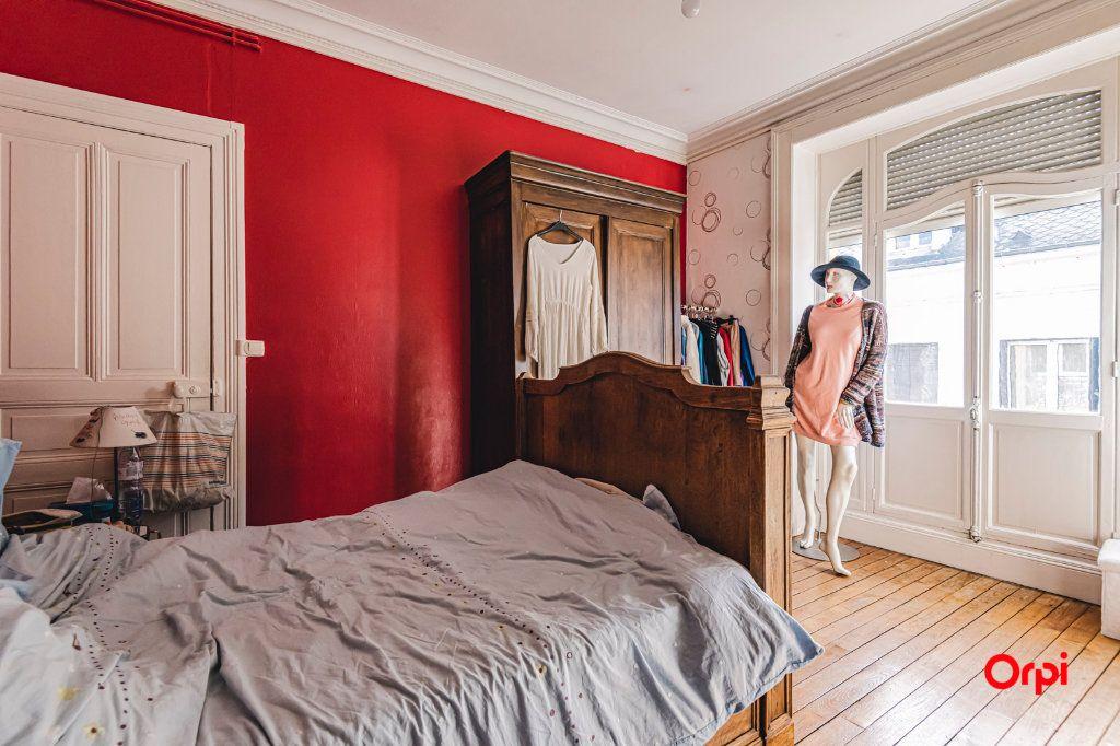 Appartement à vendre 6 108m2 à Charleville-Mézières vignette-3
