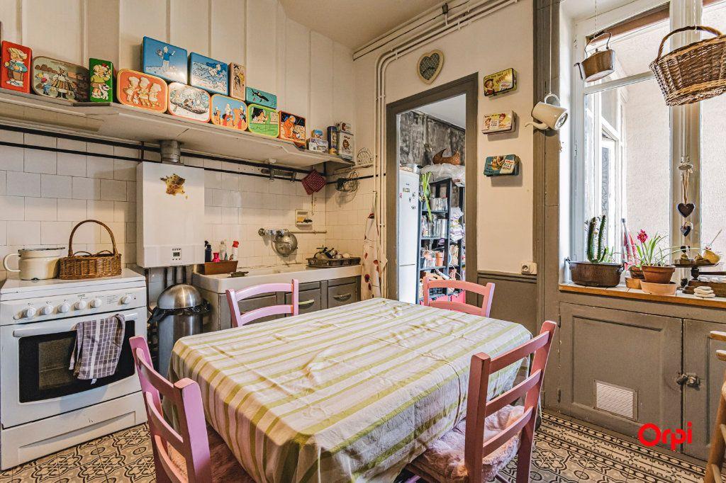 Appartement à vendre 6 108m2 à Charleville-Mézières vignette-4