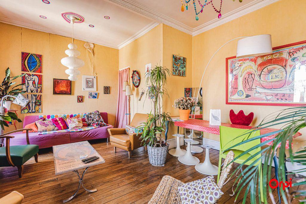 Appartement à vendre 6 116m2 à Charleville-Mézières vignette-1