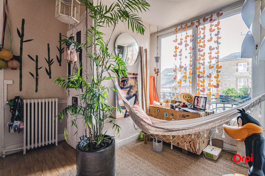 Appartement à vendre 6 116m2 à Charleville-Mézières vignette-2