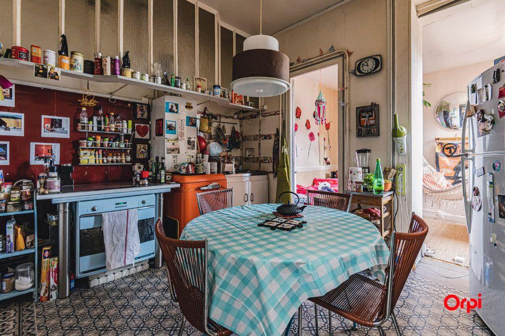 Appartement à vendre 6 116m2 à Charleville-Mézières vignette-3