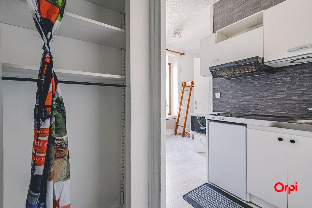 Appartement à louer 1 16.01m2 à Reims vignette-7