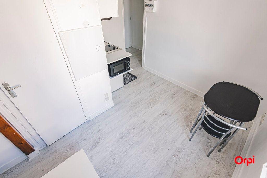 Appartement à louer 1 16.01m2 à Reims vignette-8