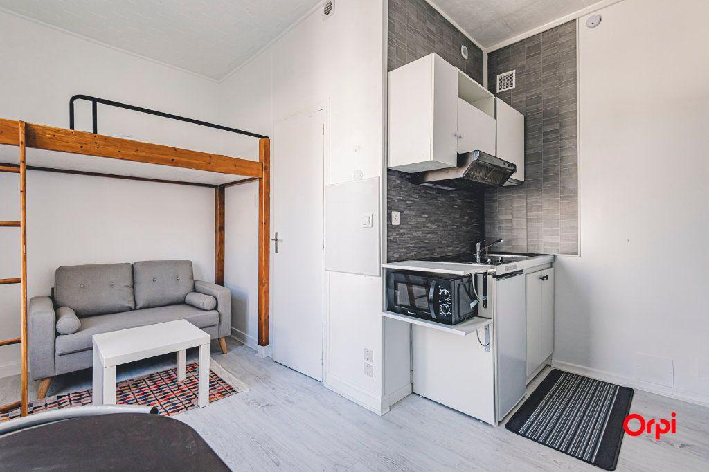 Appartement à louer 1 16.01m2 à Reims vignette-10