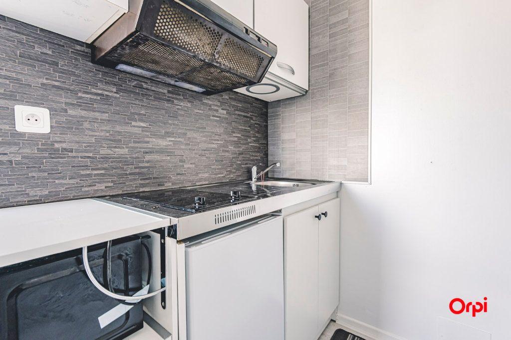 Appartement à louer 1 16.01m2 à Reims vignette-11