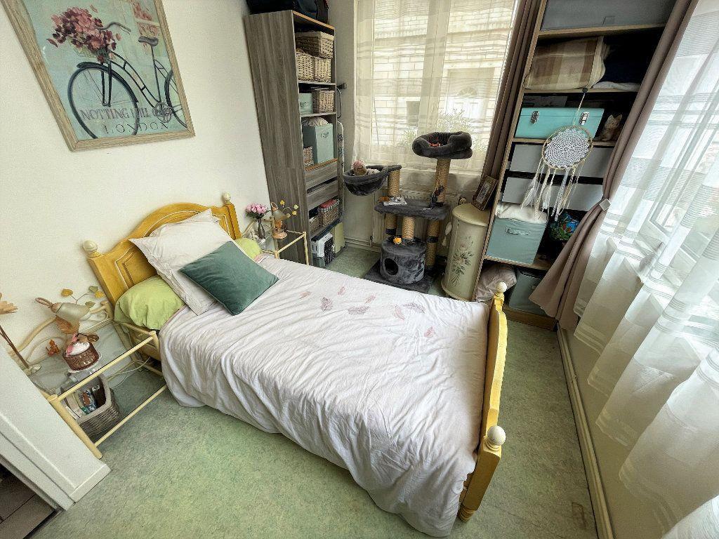 Appartement à vendre 3 46m2 à Reims vignette-4