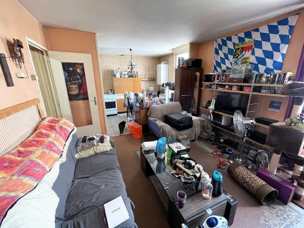 Appartement à vendre 2 47m2 à Reims vignette-1