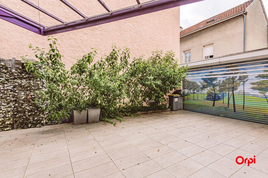 Maison à louer 5 161.3m2 à Reims vignette-3