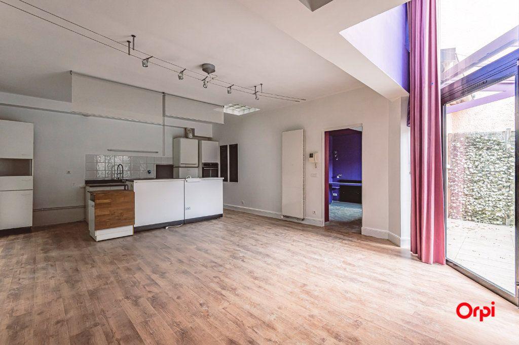 Maison à louer 5 161.3m2 à Reims vignette-6