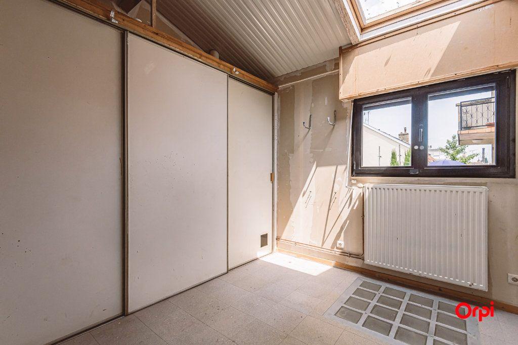 Maison à louer 5 161.3m2 à Reims vignette-13