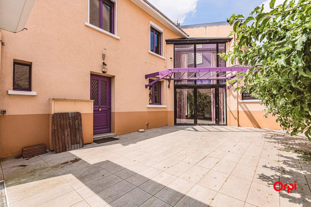 Maison à louer 5 161.3m2 à Reims vignette-18