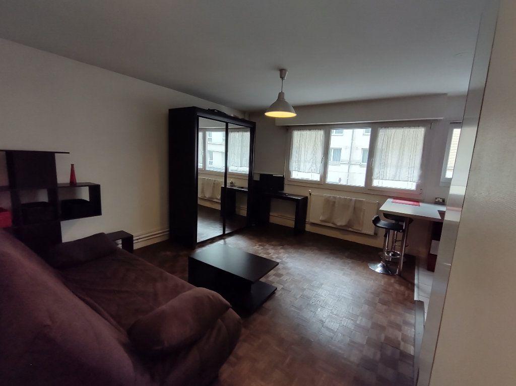 Appartement à vendre 1 26m2 à Reims vignette-2