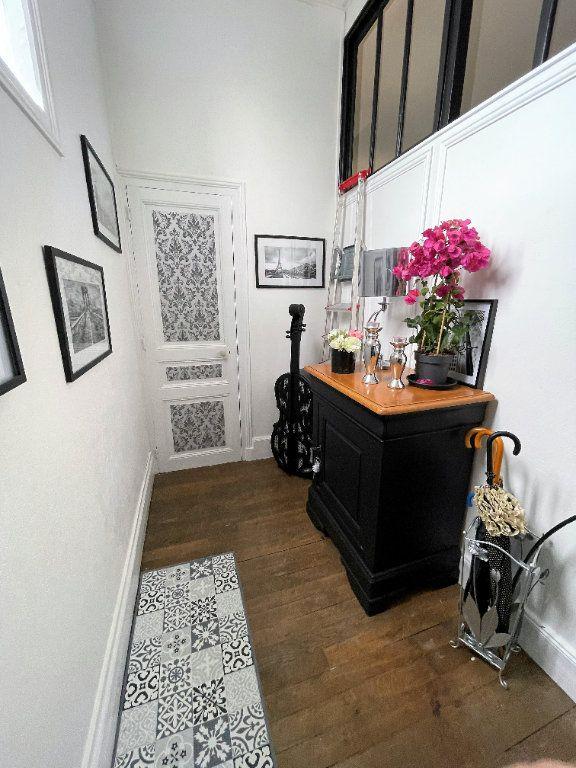 Appartement à vendre 4 115m2 à Charleville-Mézières vignette-2