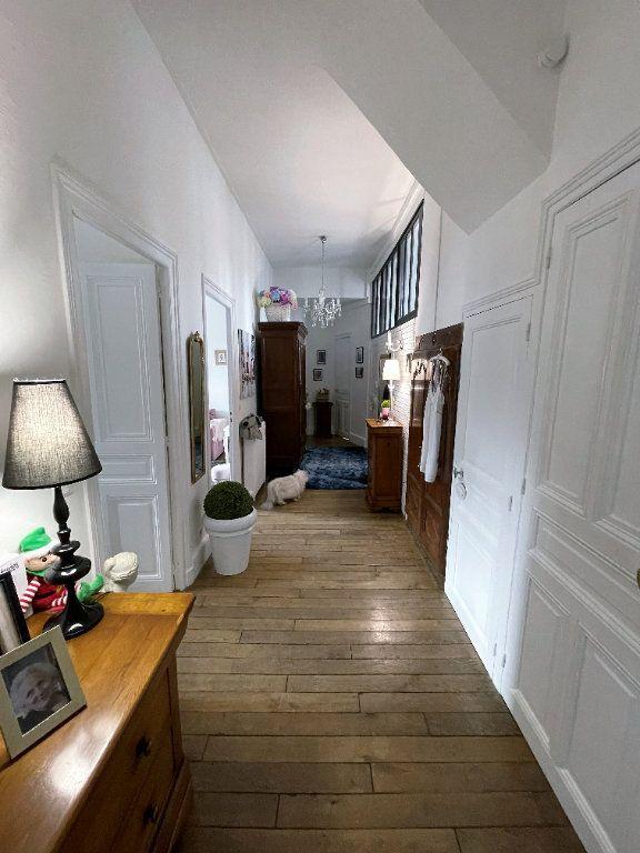Appartement à vendre 4 115m2 à Charleville-Mézières vignette-3