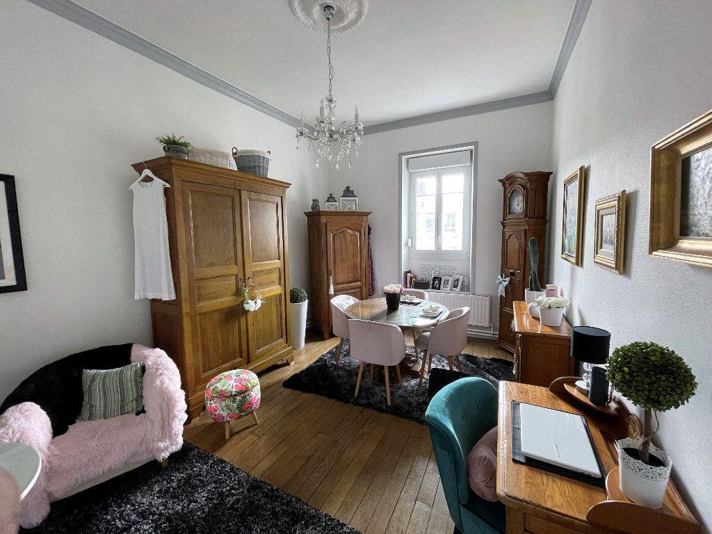 Appartement à vendre 4 115m2 à Charleville-Mézières vignette-6