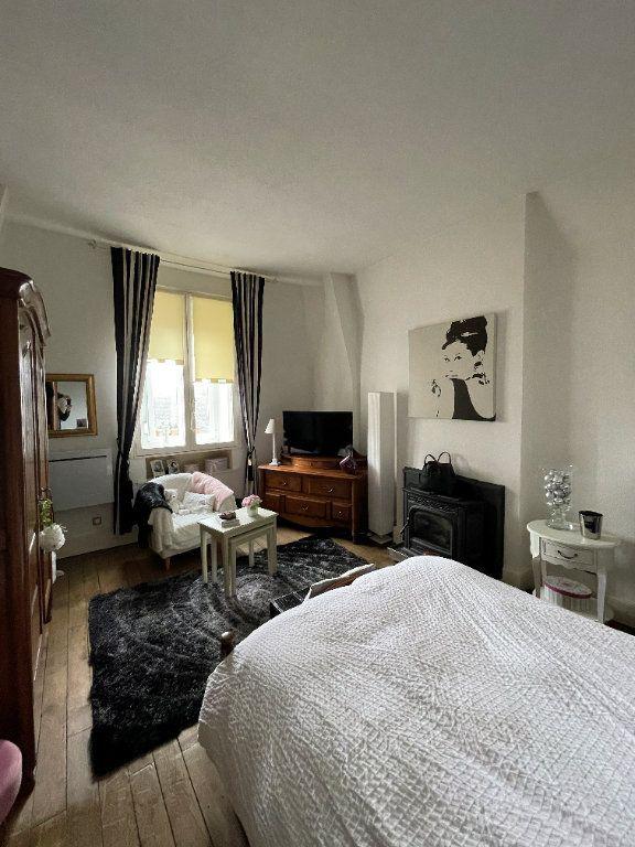Appartement à vendre 4 115m2 à Charleville-Mézières vignette-7