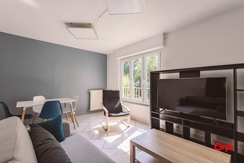 Appartement à louer 4 76.48m2 à Reims vignette-3