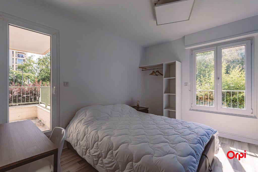 Appartement à louer 4 76.48m2 à Reims vignette-11