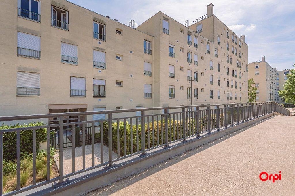 Appartement à louer 4 76.48m2 à Reims vignette-14