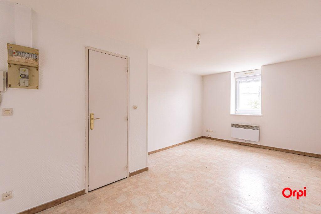 Appartement à louer 1 25.3m2 à Reims vignette-4