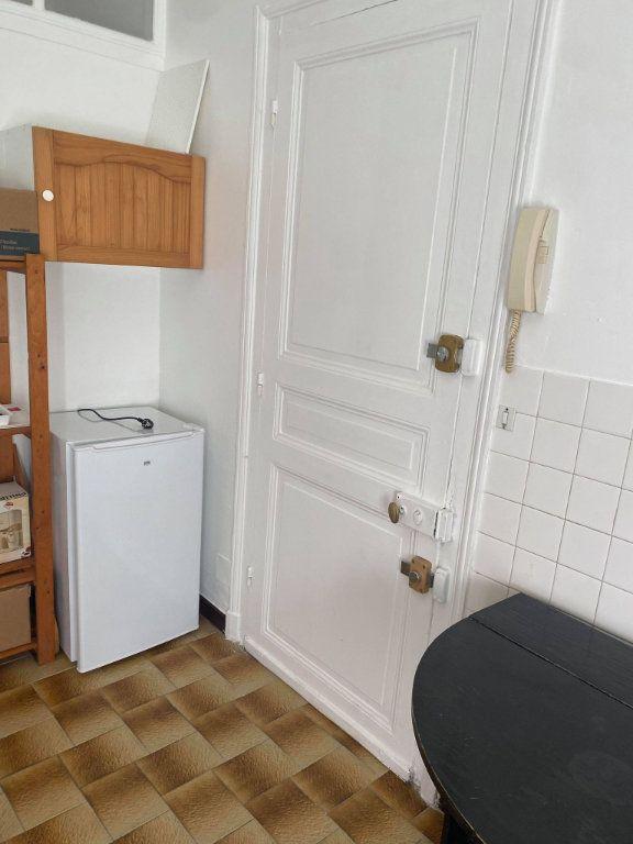 Appartement à louer 1 26.1m2 à Reims vignette-5