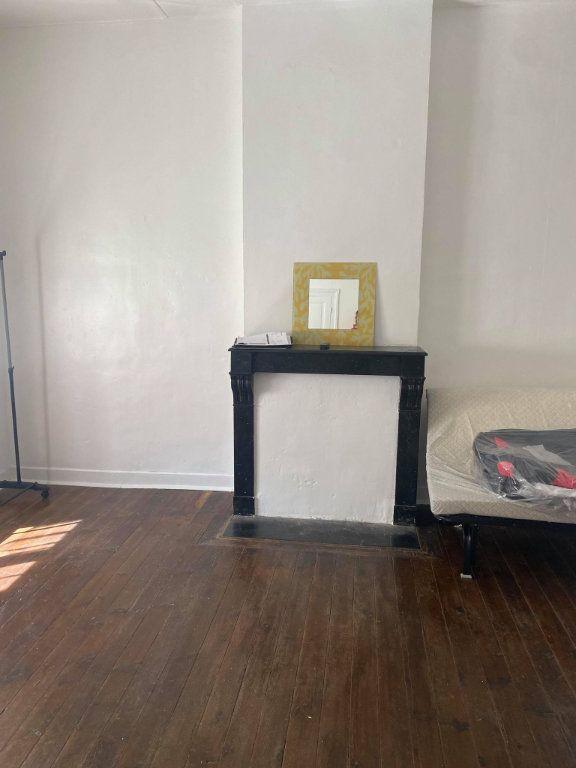 Appartement à louer 1 26.1m2 à Reims vignette-14