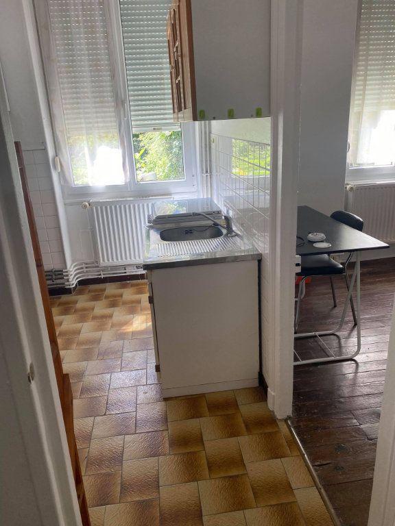 Appartement à louer 1 26.1m2 à Reims vignette-15