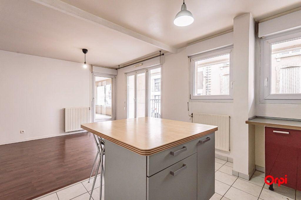 Appartement à louer 3 74.88m2 à Reims vignette-1