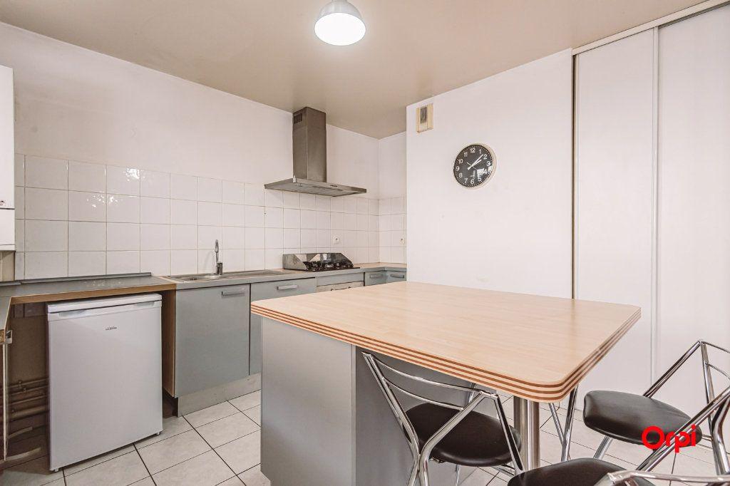 Appartement à louer 3 74.88m2 à Reims vignette-2