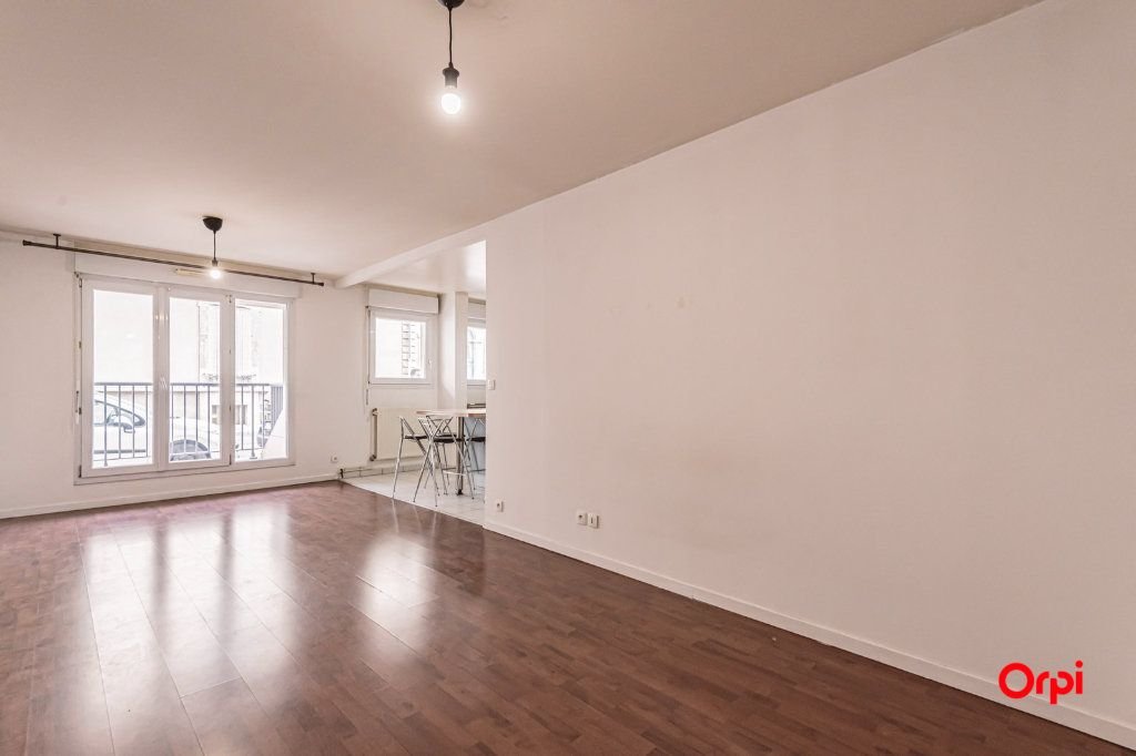 Appartement à louer 3 74.88m2 à Reims vignette-3