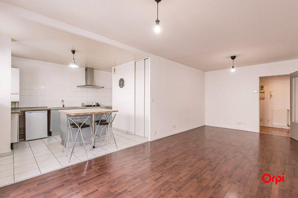 Appartement à louer 3 74.88m2 à Reims vignette-5