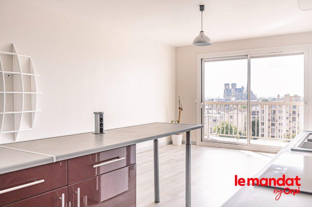 Appartement à louer 3 57.66m2 à Reims vignette-4