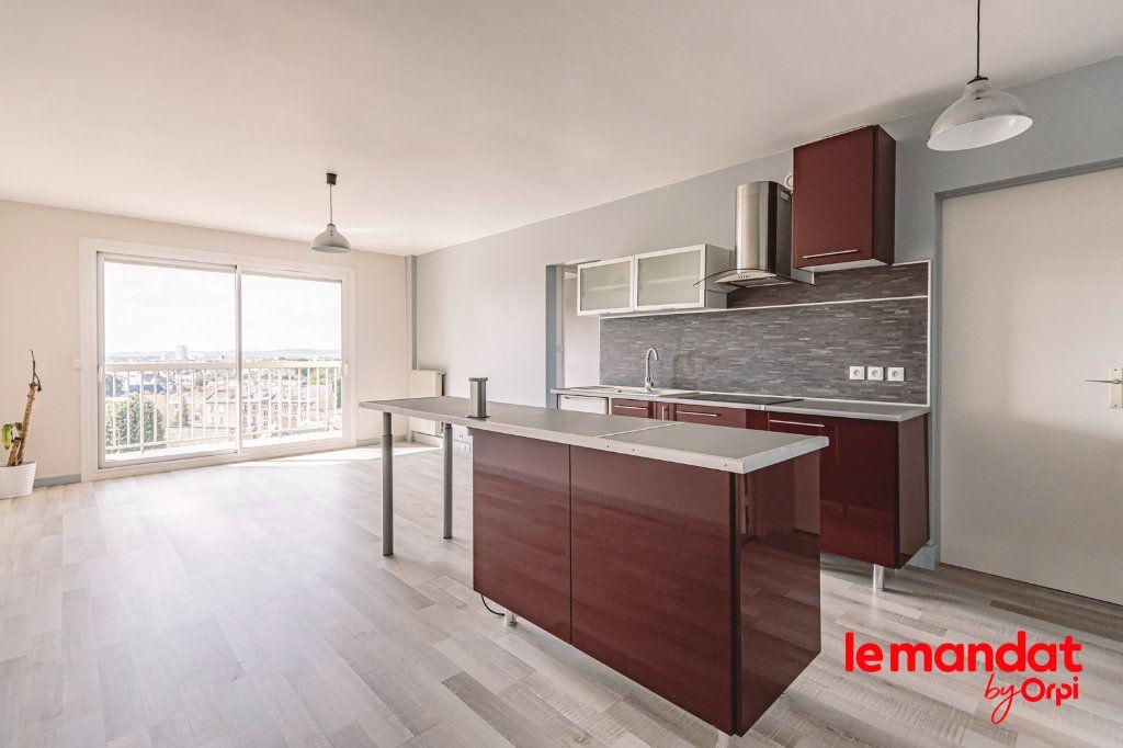 Appartement à louer 3 57.66m2 à Reims vignette-14