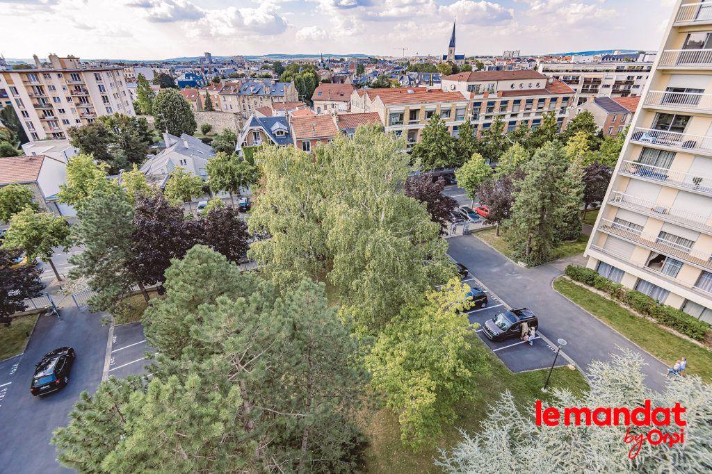 Appartement à louer 3 57.66m2 à Reims vignette-16