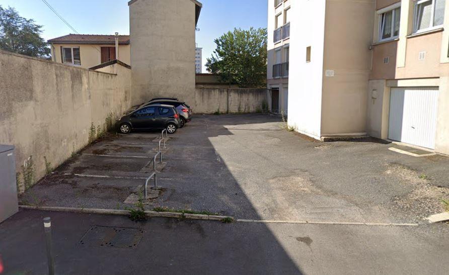 Stationnement à louer 0 0m2 à Reims vignette-1