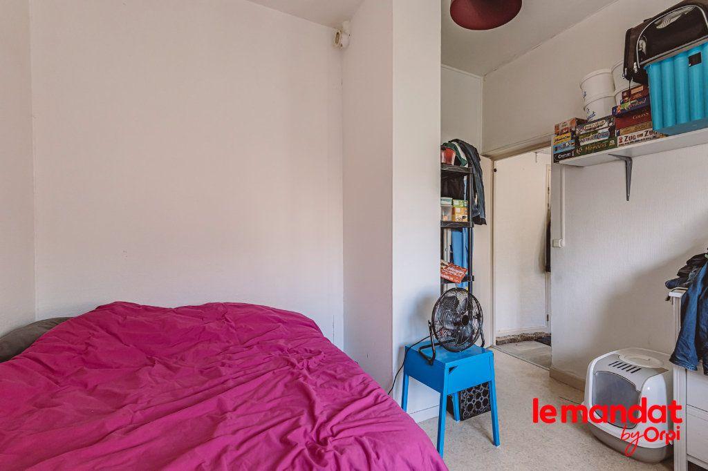 Appartement à louer 2 32m2 à Tinqueux vignette-2