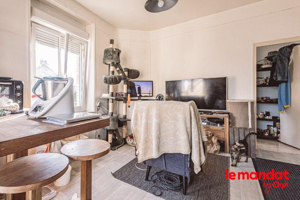 Appartement à louer 2 32m2 à Tinqueux vignette-4