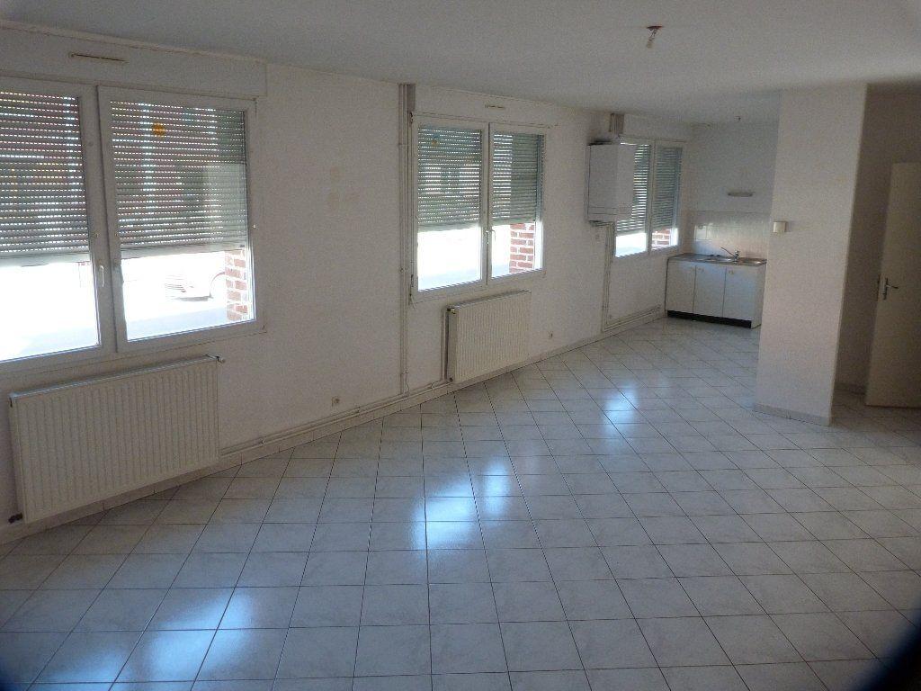 Appartement à louer 3 75m2 à Laon vignette-1