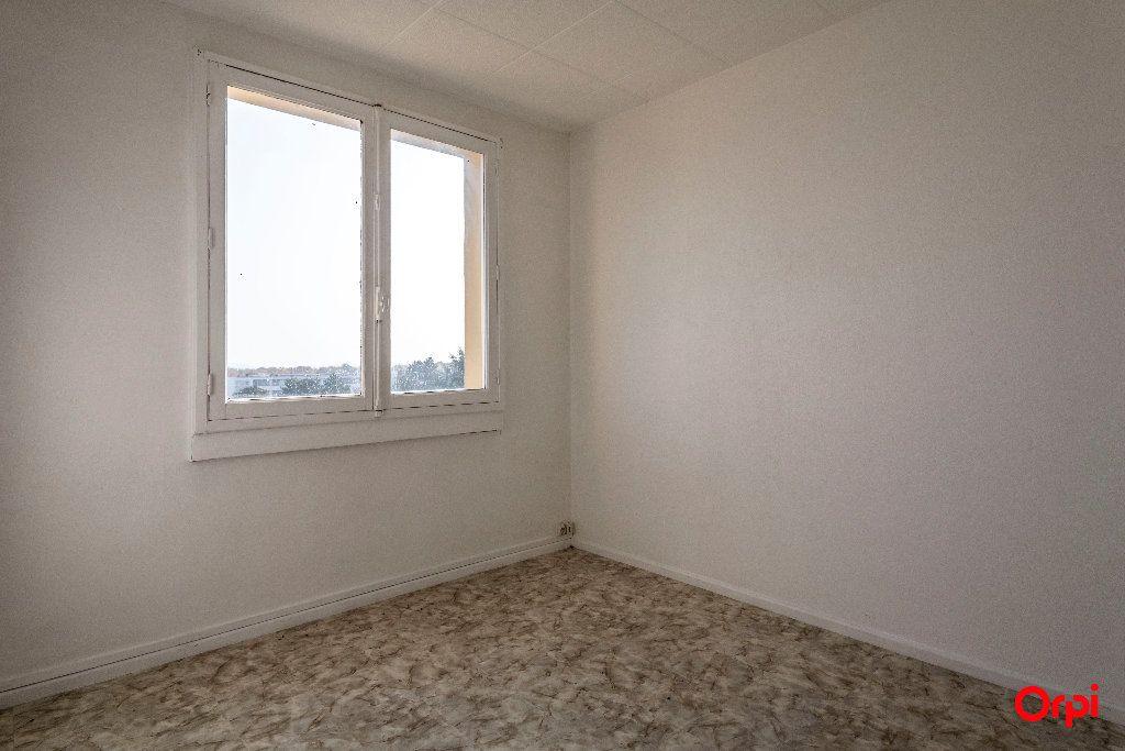 Appartement à louer 4 55m2 à Laon vignette-4