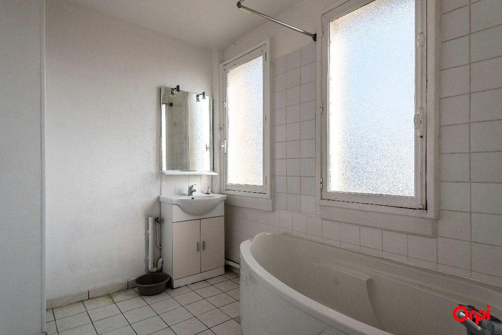 Appartement à louer 4 55m2 à Laon vignette-5
