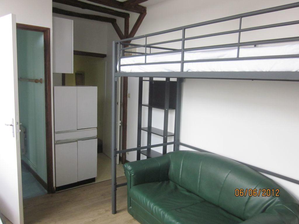 Appartement à louer 1 14m2 à Laon vignette-2