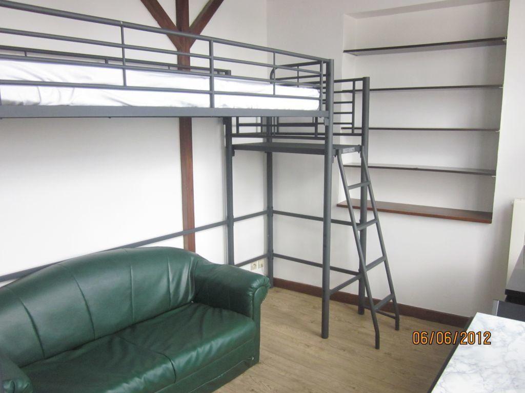 Appartement à louer 1 14m2 à Laon vignette-3