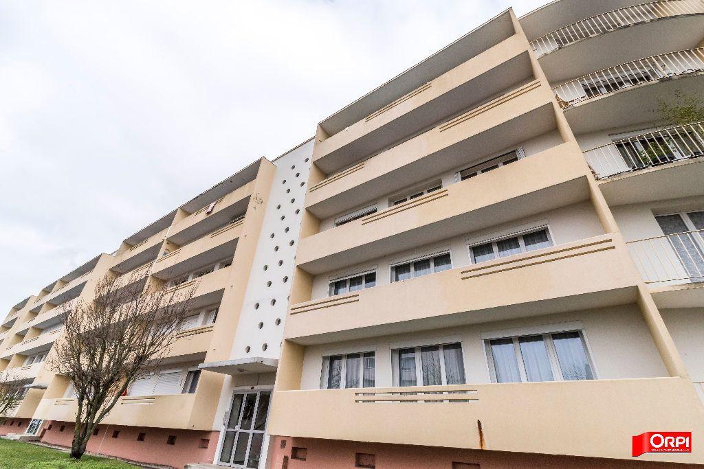 Appartement à louer 4 67m2 à Laon vignette-1
