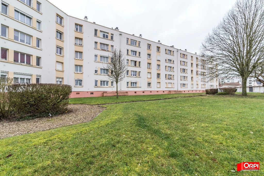 Appartement à louer 4 67m2 à Laon vignette-9